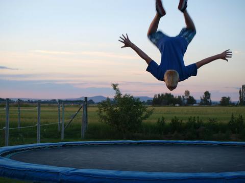trampoline trauma summertime Safety tips
