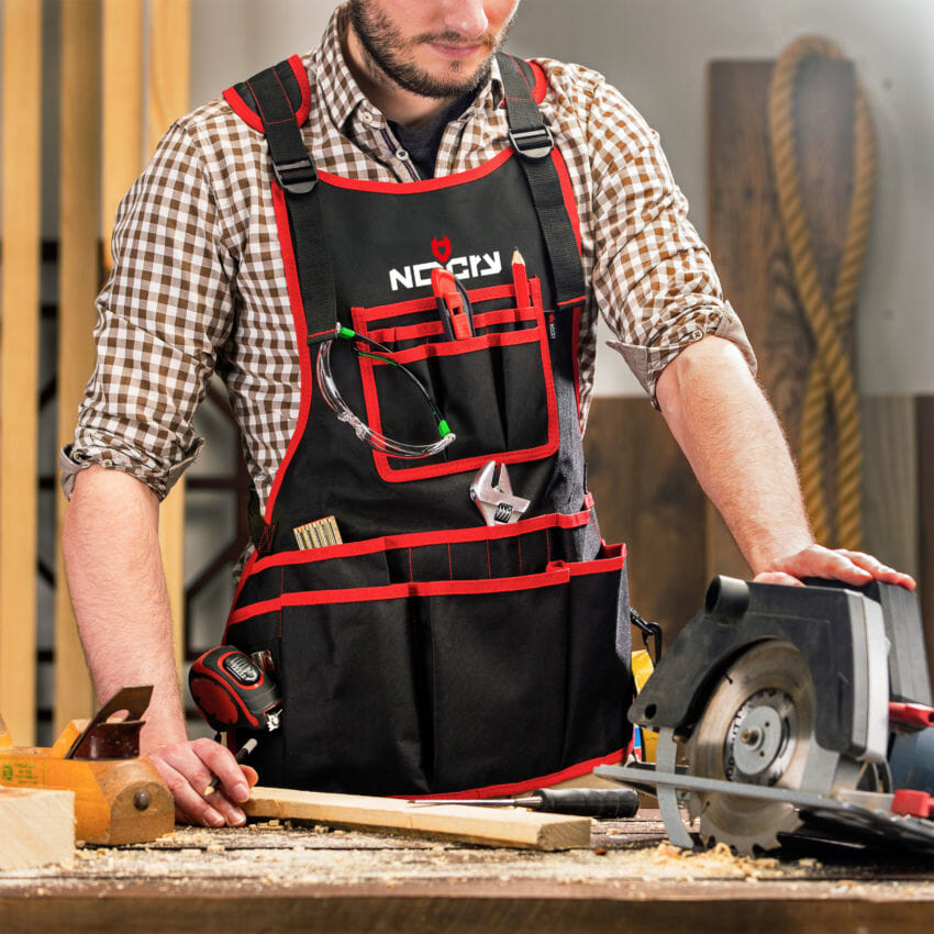 Work Apron With 26 Tool Pockets